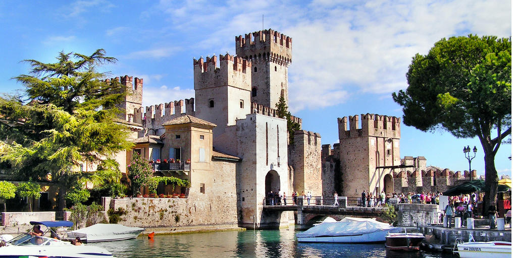 Franciacorta Outlet Village - Sirmione, the Garda\'s pearl